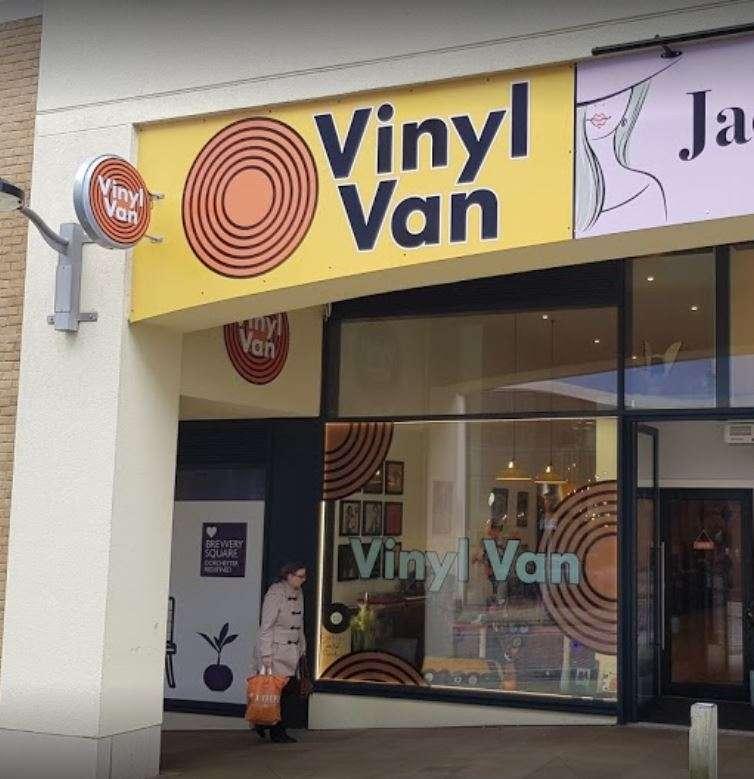 vinyl_van_shop_exterior_img1
